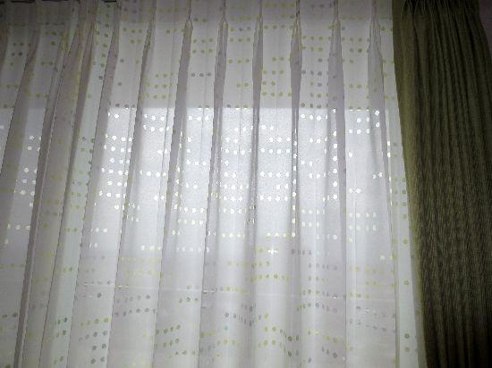 遮熱機能付きレースカーテン